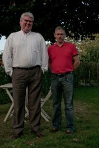 Frank Demets en Jan Lagast verzorgen het politiek praatcafé van Bevegem